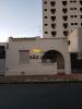 ▪   Excelente localização ▪  Próximo do Clube Araraquarense ▪ Bancos do Brasil e Caixa E.F ▪  Com Edícula